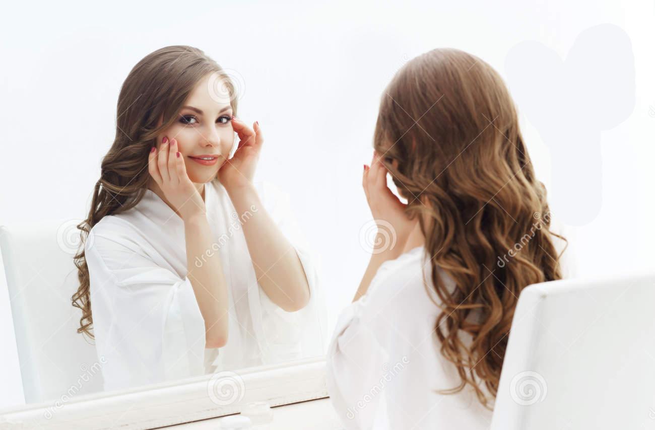 آموزش پاکسازی پوست قبل از میکاپ ، پاکسازی صورت قبل از میکاپ ، ماسک قبل از میکاپ ، میکاپ قبل و بعد اینستا ، هزینه اموزش تخصصی میکاپ